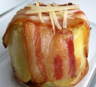Рецепт Картошечка запеченная в сметанном соусе с беконом