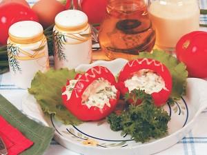 Рецепт Помидоры, фаршированные яйцами и луком