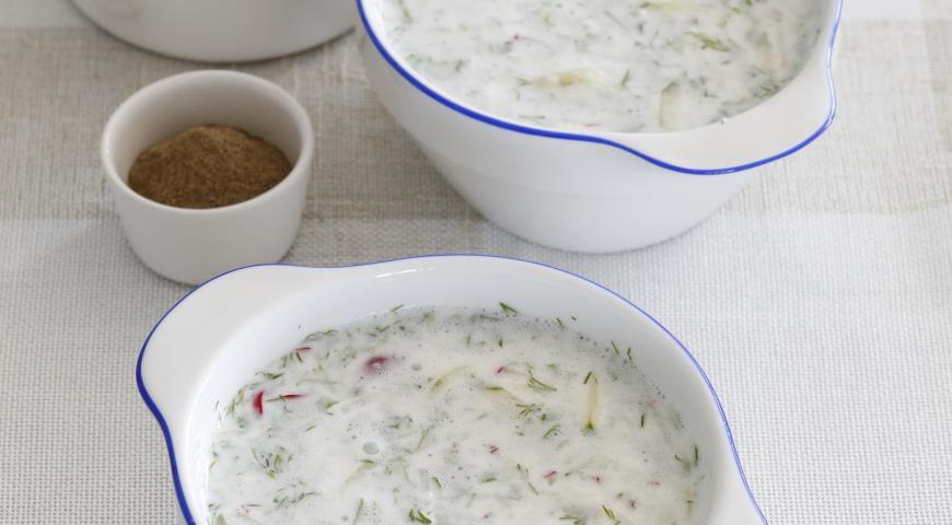 Рецепт Холодный суп из кефира с огурцами
