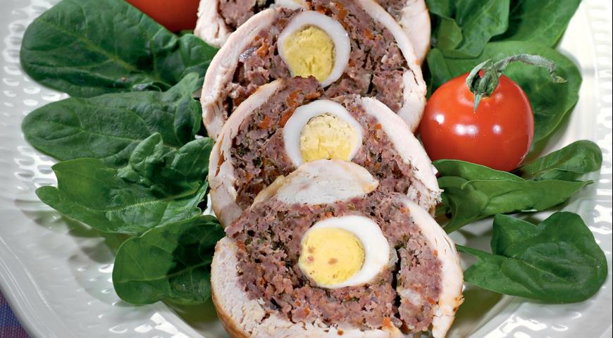 Рецепт Мясной рулет с перепелиными яйцами