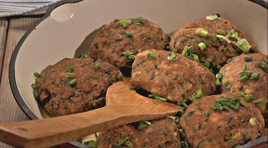Рецепт Мясные котлеты с весенней зеленью