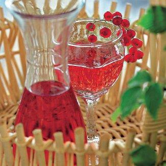 Рецепт Клубнично-смородинновое вино