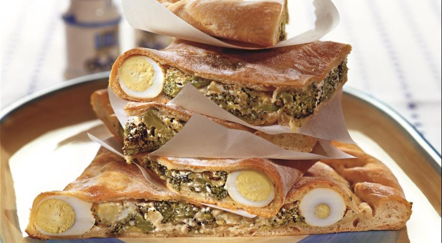 Рецепт Кальцоне с брокколи и перепелиными яйцами