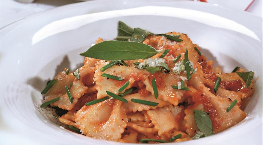 Рецепт Фарфалле в томатно-сливочном соусе