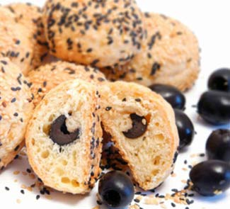 Рецепт Сырные булочки с начинкой из маслин