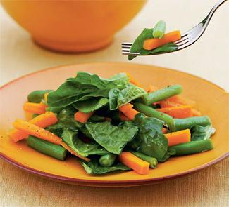 Рецепт Салат из молодой моркови и шпината