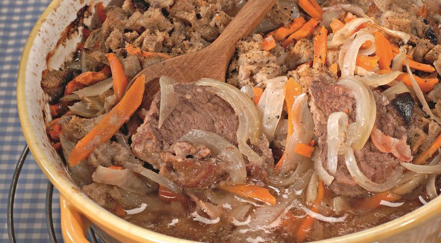 Рецепт Говядина, тушенная с ржаным хлебом