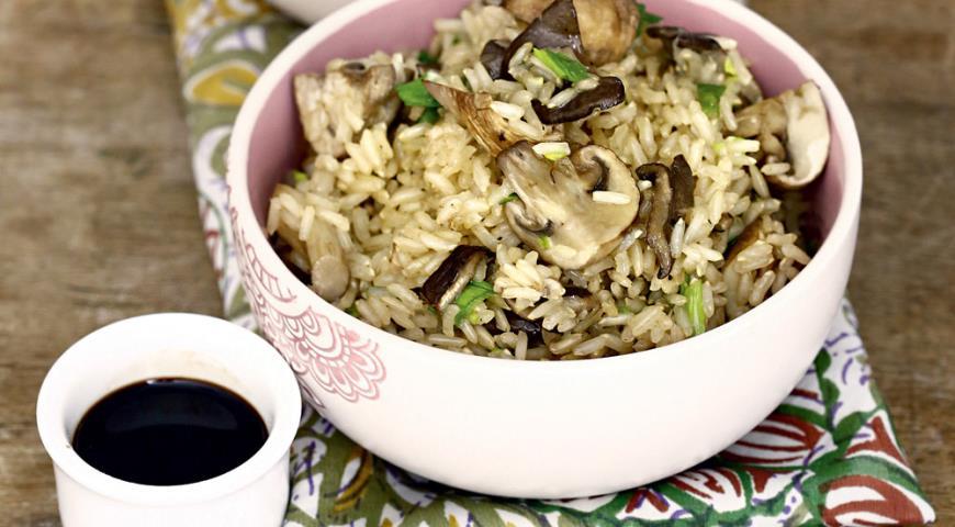 Рецепт Коричневый рис с грибами