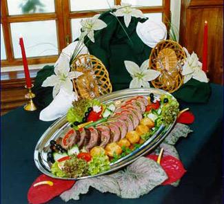 Рецепт Knight meal. Рыцарское блюдо. Говядина фаршированная сладким перцем и сыром