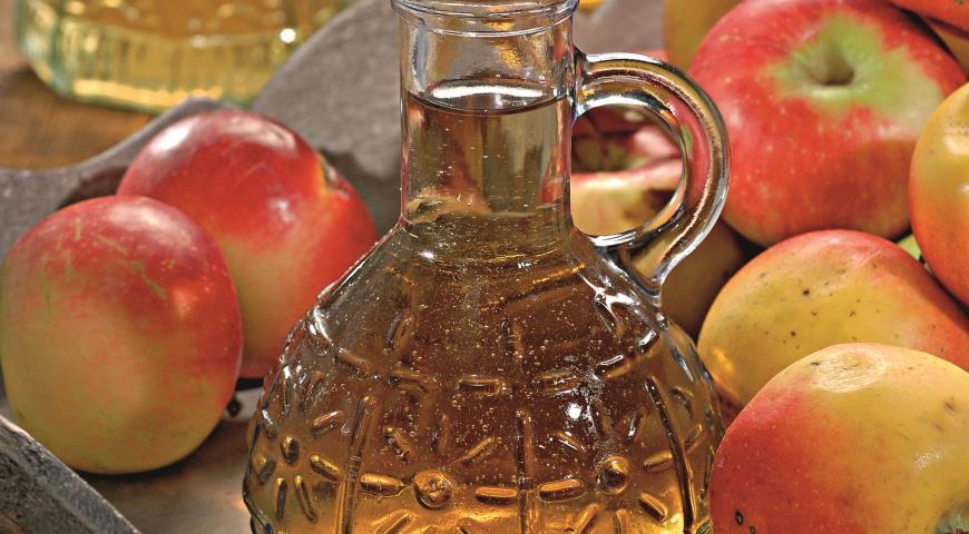 Рецепт Яблочный уксус с изюмом и медом