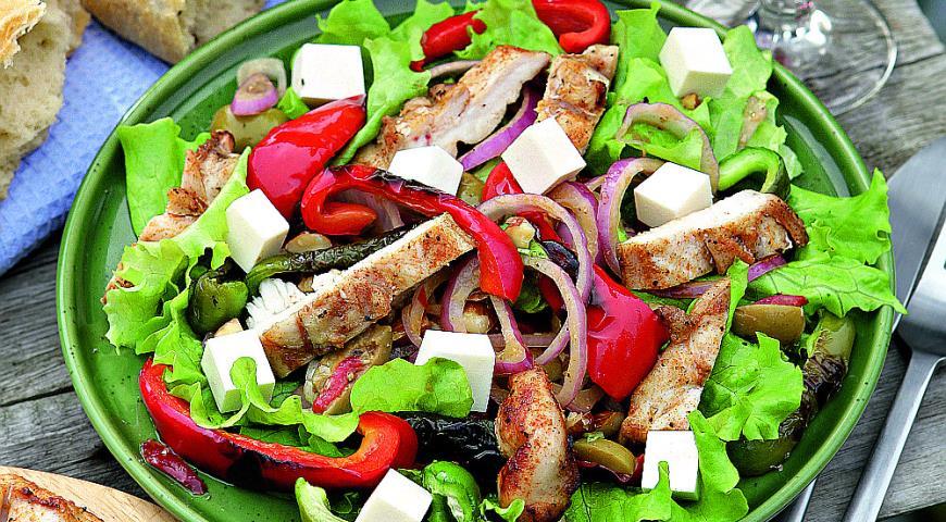 Рецепт Теплый средиземноморский салат с курицей