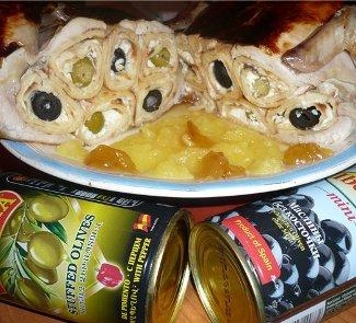 Рецепт Курица, фаршированная блинчиками (Gallina rellenada por los crepes)