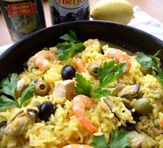 Рецепт Паэлья с морепродуктами и оливками