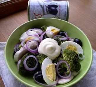 Рецепт Салат Валенсия с брокколи и маслинами