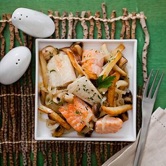 Рецепт Поджарка из белой и красной рыбы в мультиварке