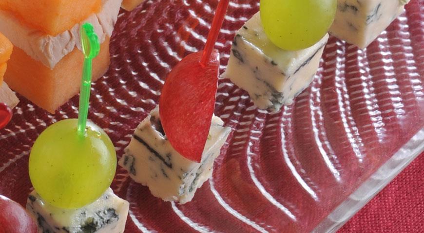 Рецепт Виноград с голубым сыром