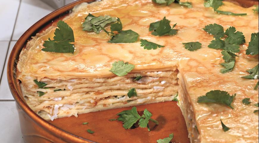 Рецепт Блинчатый пирог с копченой рыбой
