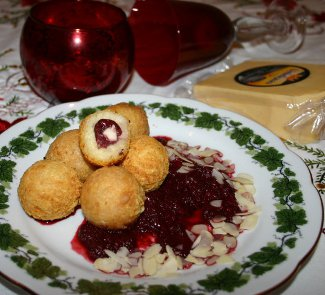 Рецепт Сырные крокеты с вишней