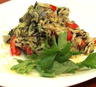Рецепт Копченая скумбрия с белым и диким рисом
