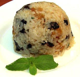 Рецепт Рисовый пудинг с курагой и грецкими орехами