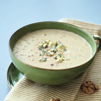 Рецепт Суп с грецкими орехами и сыром