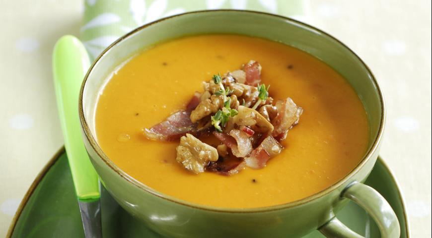 Рецепт Суп из тыквы и моркови с беконом и орехами