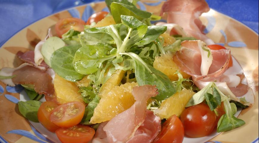 Рецепт Салат с пармской ветчиной и апельсинами