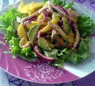 Рецепт Салат Калифорния с запеченной куриной грудкой
