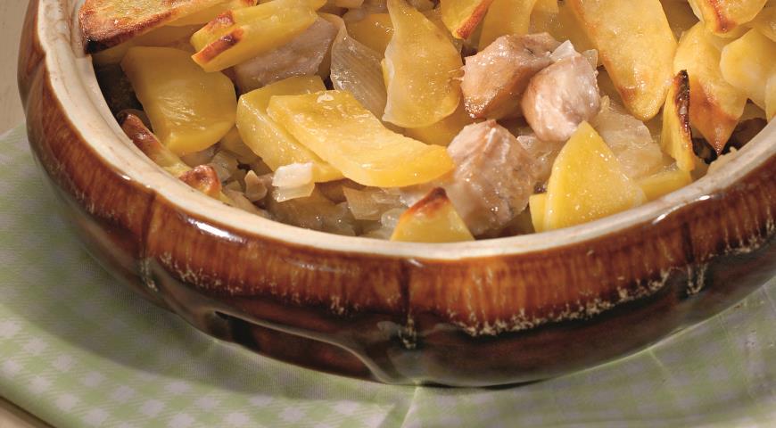 Рецепт Рыба с картофелем, запеченная в духовке