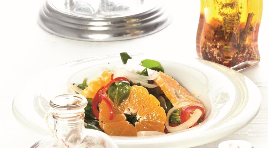 Рецепт Мандарины с маринованным луком