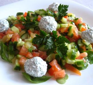 Рецепт Салат с шариками из феты, укропа и маслин