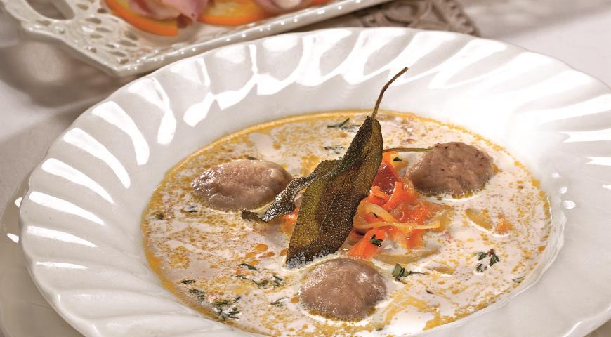 Рецепт Пасхальный суп с клецками из печенки