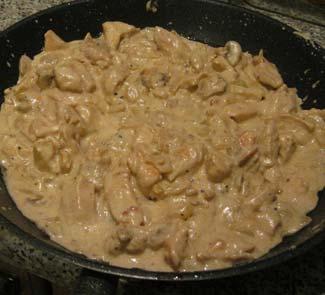 Рецепт Фетуччини в сливочно-сырном соусе с куриными грудками
