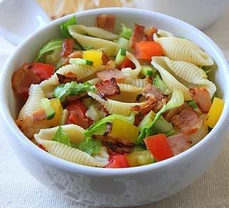 Рецепт Салат с пастой, сырокопченой телятиной и овощами