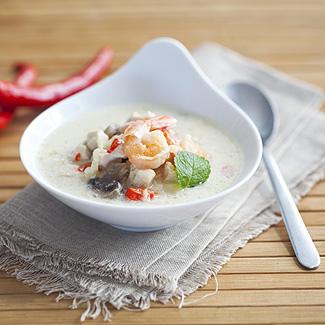Рецепт Тайский куриный суп с креветками в мультиварке