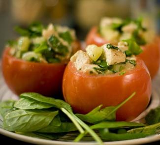 Рецепт Томаты, фаршированные куриным салатом с ананасом