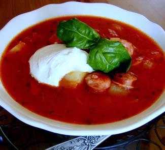 Рецепт Густой томатный суп с копчеными колбасками