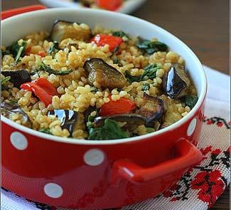 Рецепт Булгур со шпинатом, запечеными баклажанами и перцем