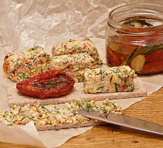 Рецепт Закуска из брынзы с вялеными томатами