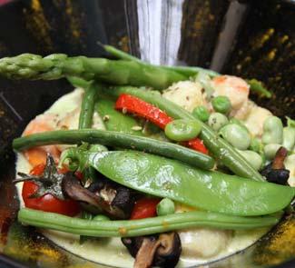 Рецепт Гребешки в сливочном соусе с весенними овощами