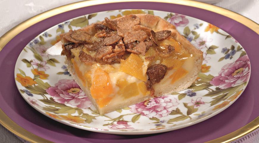 Рецепт Пирог с персиками и мюсли