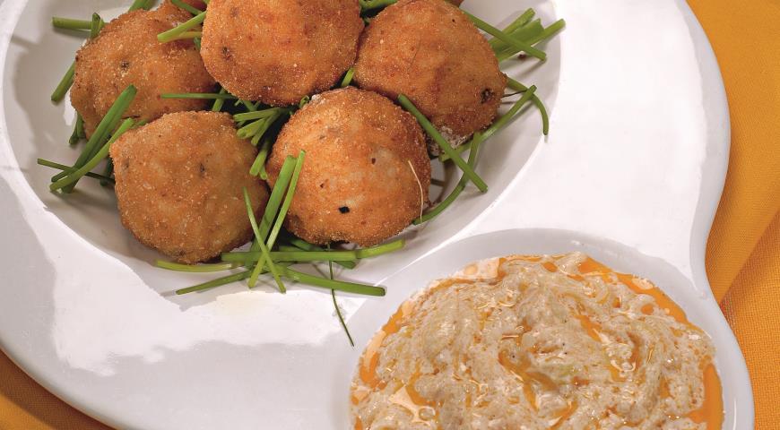 Рецепт Рисовые котлетки с соусом из кабачков