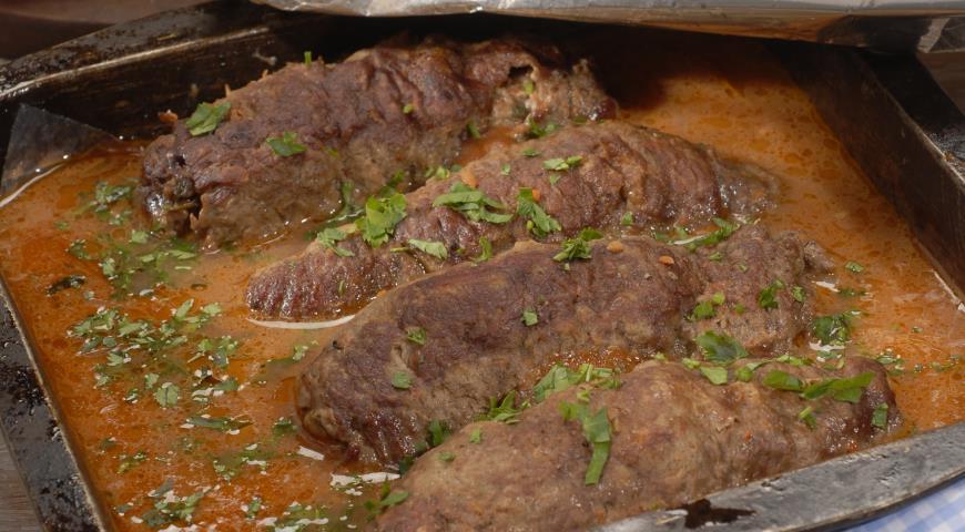 Рецепт Рулетики из говядины с острой начинкой