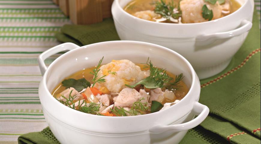 Рецепт Куриный суп с кукурузными клецками