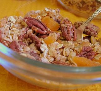 Рецепт Гранола с пеканом и кленовым сиропом