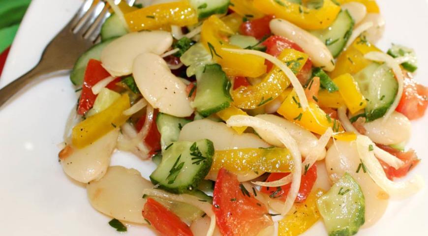Рецепт Витаминный салат с фасолью