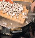 Жареная свинина с грибами. Шаг 3