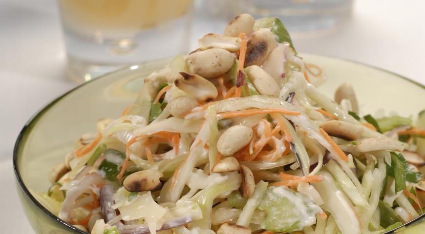 Рецепт Салат Колслоу с арахисом