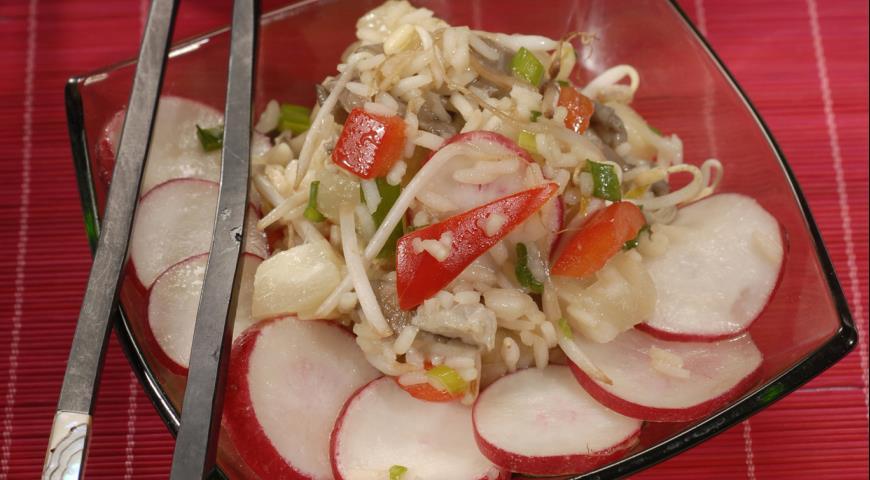 Рецепт Салат с рисом и грибами в китайском стиле