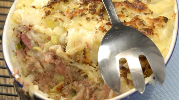 Запеканка из картофеля и лука-порея